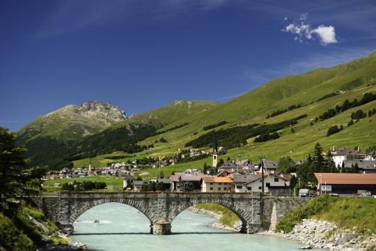 S-chanf mit Dorfbrücke