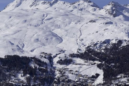 St. Moritz mit Skigebiet Corviglia im Hintergrund